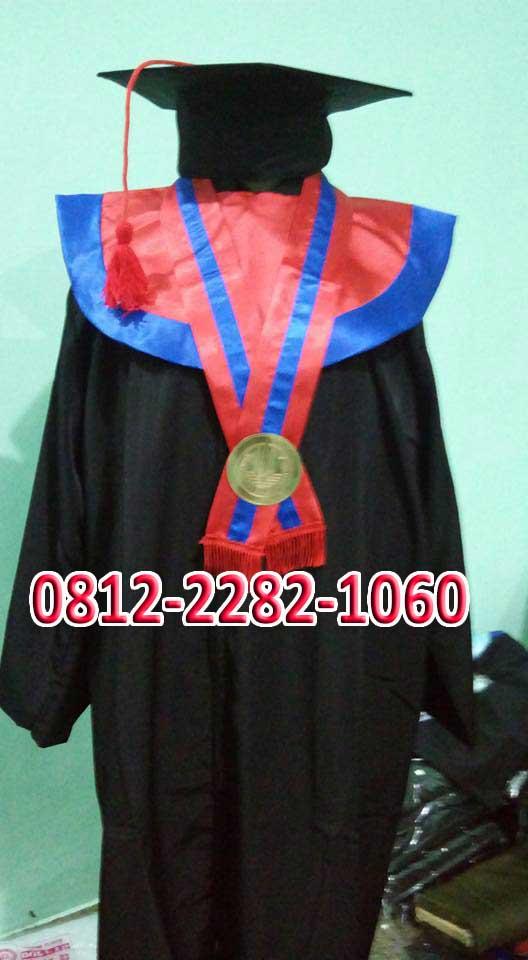 foto toga sarjana universitas Bangka Belitung