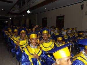 wisuda sekolah SMPIT