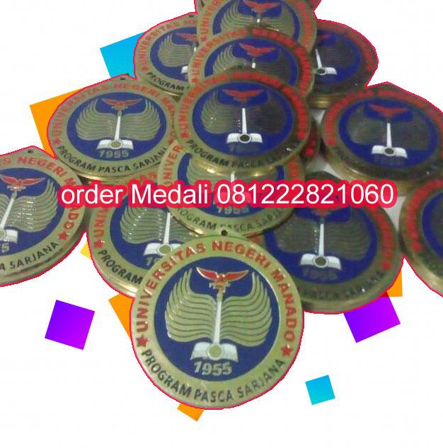 harga medali wisuda Manado