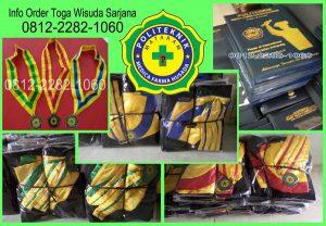 bahan toga wisuda sarjana di lombok